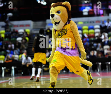 London, UK. 14th Oct, 2018. London Lions Mascot dances during British Basketball - ALL STARS BASKETBALL 2018 at Copper Box Arena on Sunday, 14 October 2018. LONDON ENGLAND.  (Editorial use only, license required for commercial use. No use in betting, games or a single club/league/player publications.) Credit: Taka Wu/Alamy Live News - Stock Photo