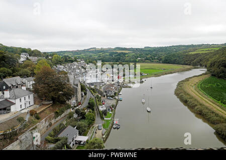 Calstock town view from a Tamar Valley line train over the viaduct and looking along the River Tamar  in autumn, Cornwall England UK  KATHY DEWITT - Stock Photo