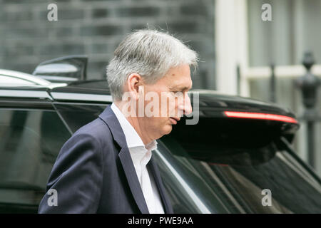 London UK. 16th October 2018. Philip Hammond MP, Chancellor of the Exchequer arrives  at Downing Street for the weekly cabinet meeting as PM Theresa May faces the threat of resignations by some miniters over her Chequers planCredit: amer ghazzal/Alamy Live News - Stock Photo