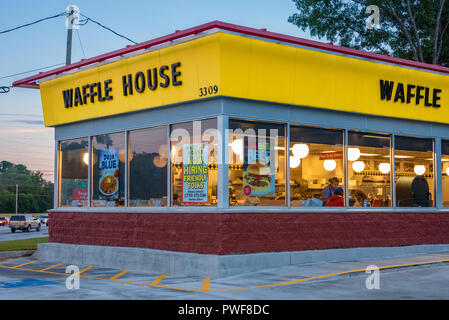 Waffle House restaurant in Metro Atlanta, Georgia. (USA) - Stock Photo