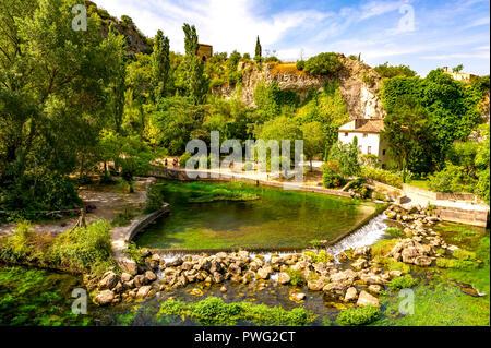 France. Vaucluse (84). Fontaine de Vaucluse. Source of the Sorgue. Exsurgence largest metropolitan France - Stock Photo