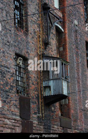 The Tobacco Warehouse in Stanley Dock, Liverpool Docks. When it was built in 1901 it was the largest warehouse in the world. It became known as King Kong of Dockland. - Stock Photo