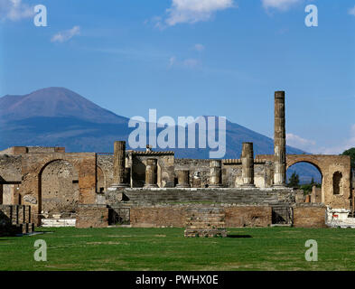 Italy. Pompeii. Roman city destroyed in 79 AD because of the eruption of the Vesuvius volcano. Temple of Jupiter (Fortuna Augusta) at the Forum. Remains of the Doric columns. La Campania. - Stock Photo