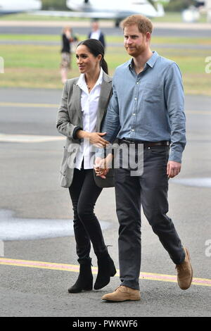 The Duke and Duchess of Sussex arrive in Dubbo, New South Wales, on the second day of the royal couple's visit to Australia. - Stock Photo