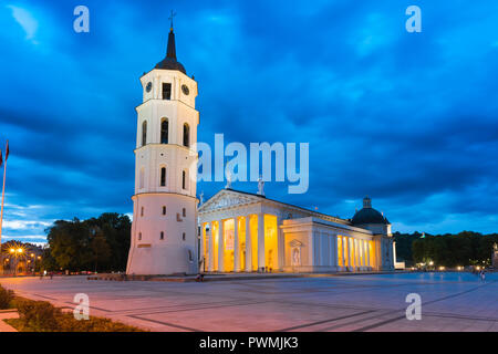 Vilnius Cathedral Square, view at night of Vilnius Cathedral and the Belfry bell tower in the city's main square, Lithuania. - Stock Photo