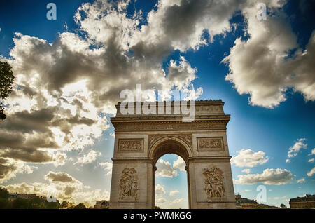 Arc de Triump, Paris - Stock Photo