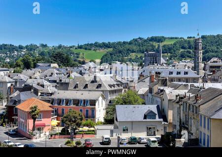 France, Occitanie region, Hautes-Pyrenees, spa town of Bagneres-de-Bigorre, overall view - Stock Photo