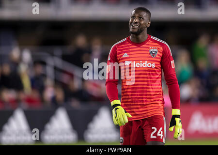 Columbia. 17th Oct, 2018. D.C. United goaltender Bill Hamid (24) looks on during the MLS game between D.C. United and Toronto FC at Audi Field in Washington, District of Columbia. Scott Taetsch/CSM/Alamy Live News - Stock Photo