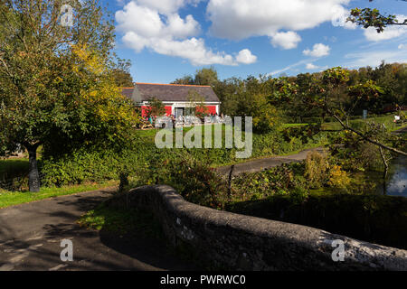 The Lock Keeper's Inn cafe on the Lagan towpath in Lagan Valley Regional Park near Shaws Bridge, Belfast,  N.Ireland. - Stock Photo
