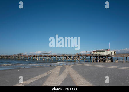 Redington Beach, Florida, USA, Thursday. 11th October, 2018, Closed, Condemned, Long Fishing Pier, ©Peter SPURRIER - Stock Photo