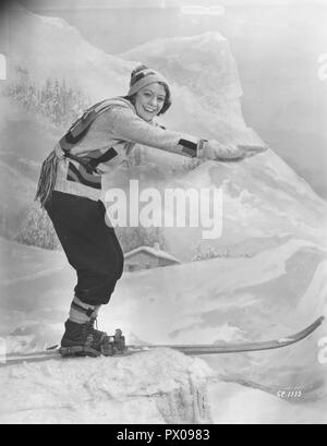 Woman on skis 1930s. The young actress Isa Quensel , 1905-1981, during the filming of the movie Kärlek måste vi ha. - Stock Photo