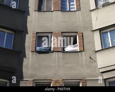 Wien, Gemeindebau des 'Roten Wien' - Vienna, Council Tenement Block, 'Red Vienna' - Stock Photo