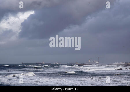 Leixoes sea harbor south pier in a stormy morning - Stock Photo