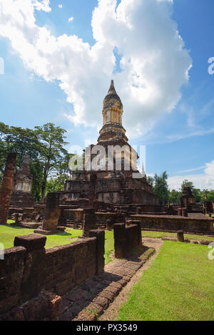 UNESCO World Heritage site Wat Jedi Jed Teaw in Si Satchanalai Historical Park, Sukhothai, Thailand. - Stock Photo
