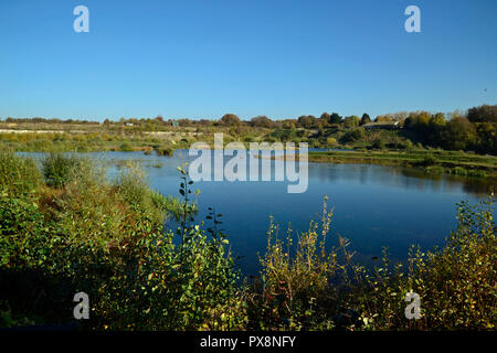 College Lake Nature Reserve, Tring, Bedfordshire, England, UK. Autumn - Stock Photo