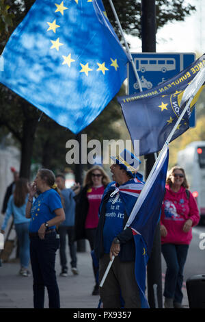 London, UK, 20th October 2018.Thousands assemble in Park Lane on Saturday October 20, 2018, London, UK, for the People's Vote March, marching to Parliament Square. The marchers demand their democratic voice to be heard, claiming that Brexit would make the UK worse off, harm jobs, damage the NHS, workers' rights and public services, and affecting the future of millions of young people. Credit: Joe Kuis / Alamy Live News - Stock Photo
