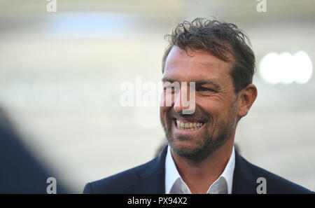 Stuttgart, Germany. 20th Oct, 2018. 20 October 2018, Germany, Stuttgart: Soccer: Bundesliga, VfB Stuttgart - Borussia Dortmund, 8th matchday in the Mercedes Benz-Arena. Stuttgart coach Markus Weinzierl. Credit: Marijan Murat/dpa - IMPORTANT NOTICE: DFL an d DFB regulations prohibit any use of photographs as image sequences and/or quasi-video./dpa/Alamy Live News - Stock Photo