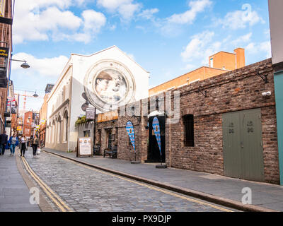 The Dirty Onion and Yardbird bar and restaurant, Hill Street, Belfast - Stock Photo