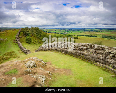 Hadrian's Wall in Northumberland, UK, at Walltown Crags. - Stock Photo