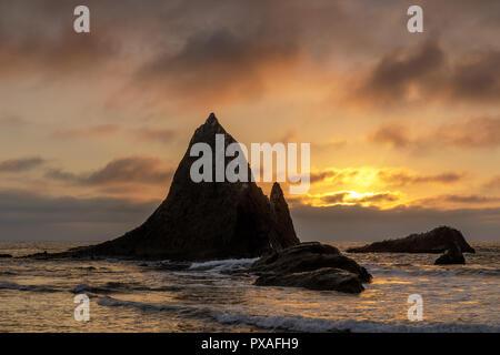 Sunset over picturesque Martin's Beach near Half Moon Bay. - Stock Photo