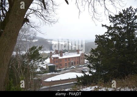 Chartwell, Winston Churchill's home, viewed from the Mariners Hill loop path, March 2018. Views of the Kent Weald beyond - Stock Photo