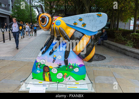 Agnes Bee-den Powell, by Jodie Silverman.  One of the Bee in the City sculptures, Great Northern Square, Manchester, UK. - Stock Photo