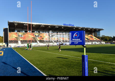 London, UK. 20th Oct, 2018. A general view of Allianz Park before the game during European Rugby Champions Cup, Round 2, Pool 3 match between Saracens and Lyon at Allianz Park on Saturday, 20 October 2018. LONDON ENGLAND. (Editorial use only, license required for commercial use. No use in betting, games or a single club/league/player publications.) Credit: Taka Wu/Alamy Live News - Stock Photo