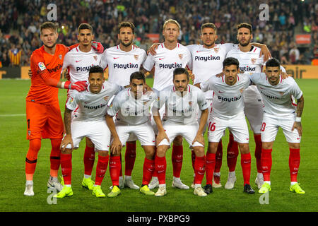 Camp Nou, Barcelona, Spain. 20th Oct, 2018. La Liga football, Barcelona versus Sevilla; Sevilla FC team line up Credit: Action Plus Sports/Alamy Live News - Stock Photo