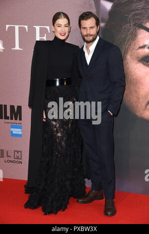 LONDON, UK. October 20, 2018: Rosamund Pike & Jamie Dornan at the London Film Festival screening of 'A Private War' at the Cineworld Leicester Square, London. Picture: Steve Vas/Featureflash Credit: Paul Smith/Alamy Live News - Stock Photo