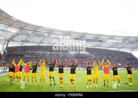 Stuttgart, Germany. 20th Oct, 2018. Dortmund's players greet the fans after a German Bundesliga match between VfB Stuttgart and Borussia Dortmund, in Stuttgart, Germany, on Oct. 20, 2018. Dortmund won 4-0. Credit: Kevin Voigt/Xinhua/Alamy Live News - Stock Photo