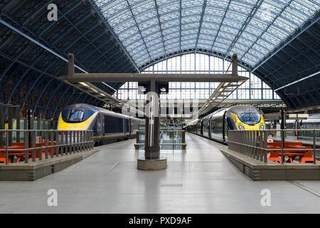 Eurostar train at platform of St Pancras International, London, UK - Stock Photo