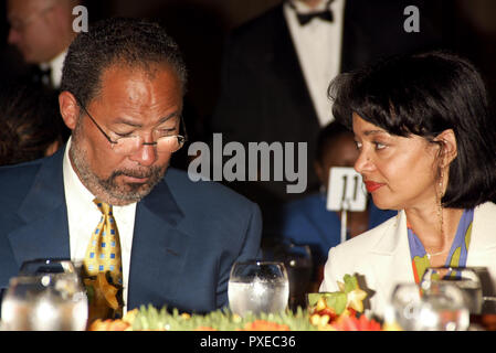 ***FILE PHOTO*** Richard Parsons steps down from CBS board citing health reasons Richard D. Parsons (Chairman and CEO of Time Warner Inc.) attending The Abyssinian Development Corporation's (ADC) Tenth Annual Renaissance Day of Commitment Leadership Breakfast at City College in Harlem, New York City. June 15, 2004 Credit: Walter McBride/MediaPunch Credit: MediaPunch Inc/Alamy Live News - Stock Photo