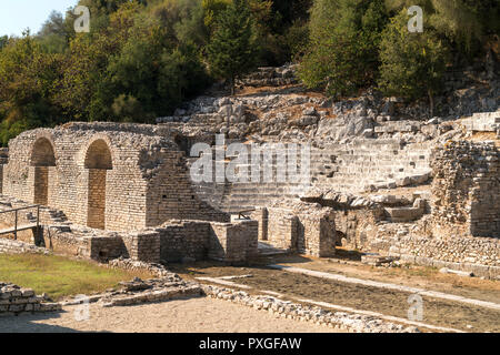 Asklepios-Heiligtum und Theater in Butrint, Albanien, Europa | Sanctuary of Asclepius and the Theatre of Butrint or Buthrotum, Albania, Europe - Stock Photo