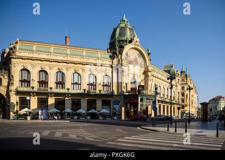 Prague. Czech Republic. The Art Nouveau Obecní dům (Municipal House) on náměstí Republiky.  Designed by Antonín Balšánek and Osvald Polívka, and built - Stock Photo