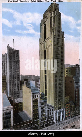 New York, USA - Bush Terminal Sales Building on 42nd Street near Broadway. Home of the Buyer's Club.     Date: circa 1920s - Stock Photo