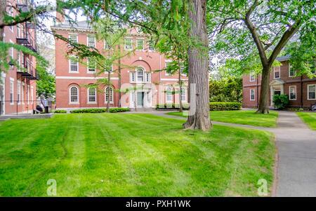 Inside the legendary Harvard University Campus in Cambridge, USA - Stock Photo