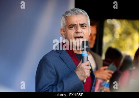 londons mayor sadiq khan addressing the crowd at the peoples vote march in london october 20th 2018 - Stock Photo
