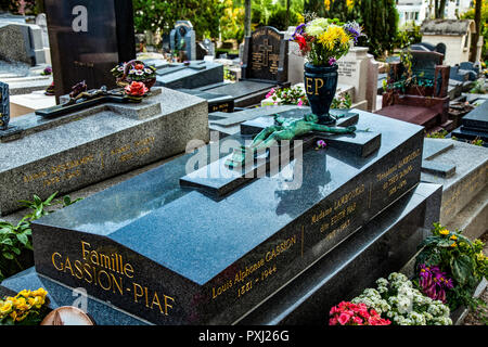 France Paris, the Edith Piaf grave in the Pére Lachaise cemetery - Stock Photo