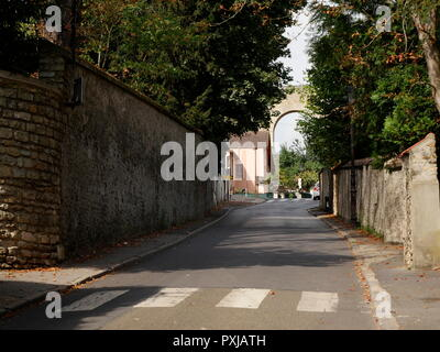 AJAXNETPHOTO. LOUVECIENNES, FRANCE. - VIEW OF THE AQUEDUCT DE MARLY FROM ROAD LEADING TO VILLAGE CENTRE.