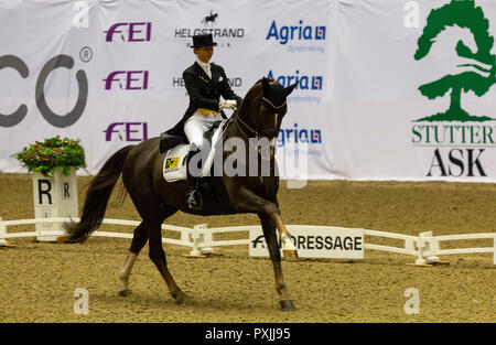 Herning, Denmark. 21st October, 2018. Kristy Oatley of Australia riding Du Soleil  during the FEI World Cup 2018 in freestyle dressage in Denmark. Credit: OJPHOTOS/Alamy Live News - Stock Photo