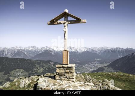 Bildausschnitt, Christus, Detail, Details, Gipfel, Gipfelkreuz, Gipfelkreuze, Glaube, Holz, Jesus, Kreuz, Kreuze, Kruzifix, Nahaufnahme, Religion, alt - Stock Photo