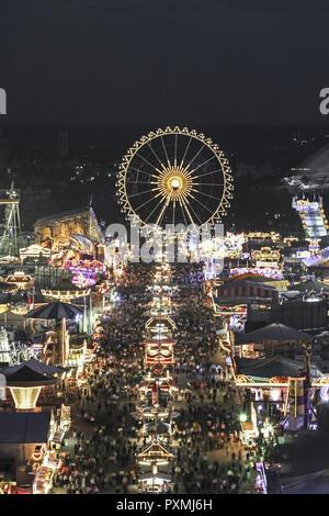 Abenddaemmerung, Abendstimmung, Bayern, Blick, Daemmerung, Deutschland, Muenchen, München, Oberbayern, Oktoberfest, Reise, Reisen, Riesenrad, Volksfes - Stock Photo