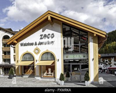 Schweiz, Graubuenden, Engadin, , Samnaun, Europa, Zollfreies, Gebiet, Zollfrei, Shopping, Einkaufen, Ausflugsziel, Sehenswuerdigkeit, Geschaeft, Juwel - Stock Photo