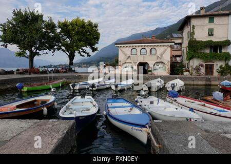 Italy, Garda-Lake,  Cassone. Time passes by slowly in the small fishing village of Cassone - Stock Photo
