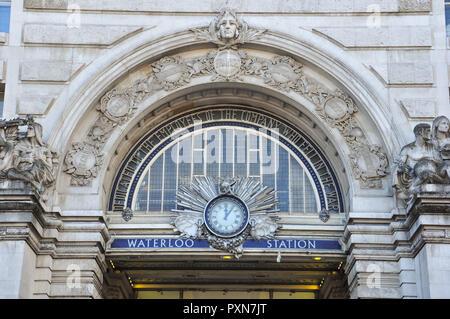 Victory Arch entrance, Waterloo station, London, England, UK - Stock Photo