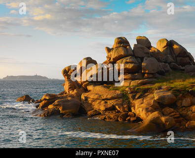 France, Brittany, Cote de Granit Rose (Pink Granite Coast), Cotes d'Armor, Tregastel, rock formations - Stock Photo