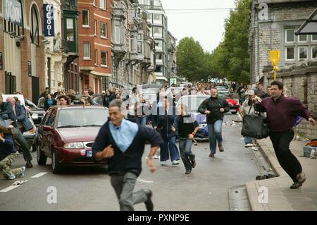 Die Wolke aka. The Cloud, Deutschland 2006 Regie: Gregor Schnitzler, Die Menschen flüchten voller Panik. - Stock Photo