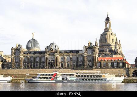 Deutschland, Sachsen, Dresden, Altstadt, Elbufer, Frauenkirche, Kunstakademie - Stock Photo