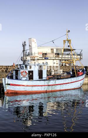 Deutschland, Mecklenburg-Vorpommern, Ostsee, Insel Ruegen, Hafen von Sassnitz, Fischerboot, Fischkutter