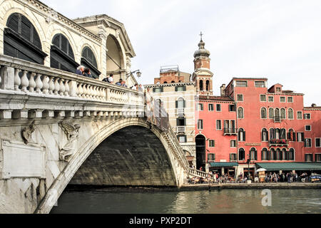 Canale Grande, Rialto Bruecke in Venedig, Italien - Stock Photo